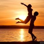 20 Tanda Apabila Lelaki Serius dalam Percintaan